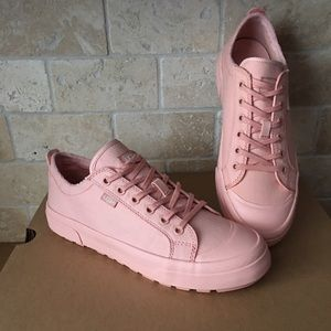 UGG ARIES CASUAL FASHION SNEAKERS SHOES